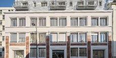 Livré en novembre 2020, le 44 rue Planchat, bâti en 1928, abritait les ateliers A.J. Berthiern, spécialisés dans la fabrication d'étalages de vitrines et d'installations de magasins, avant d'accueillir des bureaux, et désormais 38 logements du studio aux appartements de 5 pièces. L'opération a mobilisé 15 millions d'euros.