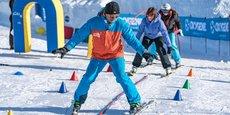 L'école de ski Oxygène, qui se positionne sur parmi les compétiteurs de l'ESF, emploie près de 300 moniteurs habituellement chaque hiver. Cette année, seuls une quarantaine ont pu travailler durant les fêtes de fin d'année, tandis que son chiffre d'affaires a fondu de 97%.