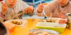 L'expérimentation menée auprès des cantines scolaires nantaises a montré que le recours à l'IA aurait permis d'éviter de produire 430 repas par jour sur les 15.000 servis quotidiennement.