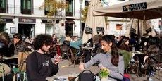A Madrid, les terrasses sont accessibles en extérieur et à 50% de leur capacité d'accueil depuis le 9 mai.