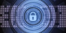Les attaques au rançongiciel visent à s'introduire dans le système informatique pour en chiffrer les fichiers et exiger une rançon pour les débloquer.