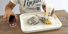 La charge sans fil d'Ipan Ipan peut être fondue dans la table ce qui permet de garder un plan lisse.