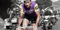 Raymond Poulidor a été l'ambassadeur des cycles Mercier dans les années 1960 et 1970. Ici à l'ascension du Puy-de-Dôme le 12 juillet 1964, pour la vingtième étape du Tour de France.