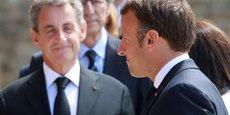 Nicolas Sarkozy et Emmanuel Macron lors d'une commémoration de la Seconde Guerre mondiale, au Mont-Valérien à Suresnes le 18 juin 2020.