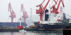 Au port de Qingdao, des terminaux ont été entièrement automatisés pour optimiser le chargement et le déchargement des marchandises.