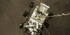 La NASA a publié hier une vidéo prise par plusieurs caméras embarquées lorsque le rover Perseverance de la NASA a atterri sur Mars le 18 février 2021.