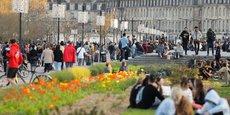 La consommation d'alcool va être interdite à partir de jeudi 4 mars sur les quais de Garonne à Bordeaux en raison de l'affluence.