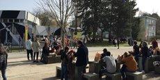 À BSB (Burgundy School of Business) de Dijon, les étudiants aussi ont cours une semaine sur deux en présentiel depuis le mois de février. Tous ne sont pas revenus car ils sont retournés dans leur ville d'origine. Environ 500 étudiants suivent les cours dans les murs de l'École de commerce contre 2.000 en temps normal.