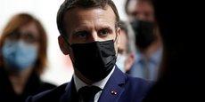 Face à la troisième vague, Emmanuel Macron va devoir trancher ce soir sur de nouvelles mesures en France.