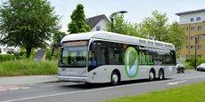 Avant de procéder à l'achat d'une nouvelle flotte propulsée à l'hydrogène, Rouen teste en ce moment un bus H2 aimablement prêté par le constructeur belge Van Hool, aujourd'hui référencé par la centrale d'achat public de l'Ugap.