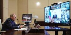 Ce lundi, lors d'une visioconférence retransmise à la télé, le président russe Vladimir Poutine a notamment qualifié d'étranges les déclarations du commissaire européen Thierry Breton qui avait affirmé, dimanche soir sur TF1, que l'Europe n'avait pas besoin du vaccin russe anti-Covid le Spoutnik V.