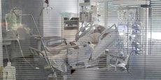 Un patient du CHU de Bordeaux en réanimation, contaminé par le Covid-19 au cours de la première vague, en avril 2020.
