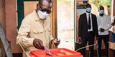Le président Patrice Talon a voté ce dimanche 11 avril à l'école primaire publique Charles guinot de Zongo à Cotonou, la capitale économique du Bénin.