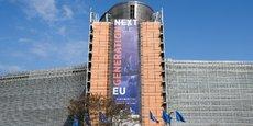 Pour « Next Generation EU », la Commission est habilitée à emprunter des fonds sur les marchés des capitaux au nom de l'Union à hauteur d'un montant maximal de 750 milliards d'euros aux prix de 2018, à partir de 2021 et au plus tard jusqu'à la fin de 2026.