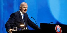 LE PATRON DE LA FIFA ADRESSE UNE MISE EN GARDE AUX PARTISANS DE LA SUPER LIGUE