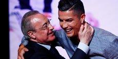 Florentino Pérez, le président du Real Madrid et ardent défenseur de la Super League, ici avec Cristiano Ronaldo, ancienne star du club.