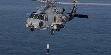 La livraison des 42 premiers sonars trempés ALFS (Airborne Low Frequency Sonar) de Thales à bord des hélicoptères MH-60R interviendra dans les cinq prochaines années. Les 13 systèmes optionnels restants seront livrés au cours de la sixième année.