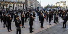 Les métiers qualifiés de non-essentiels avaient manifesté à Bordeaux le 23 novembre 2020. Depuis, seulement 190 très petites entreprises ont sollicité l'aide de la mairie de Bordeaux.