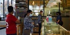 ÉTATS-UNIS: LES PERSONNES ENTIÈREMENT VACCINÉES PEUVENT ENLEVER LEUR MASQUE, DIT LE CDC