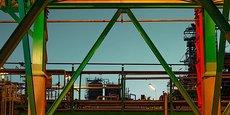 L'ancienne raffinerie rouennaise photographiée sous son meilleur jour avant sa déconstruction.