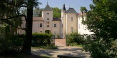 Le Château de Mollard est aujourd'hui entièrement autonome du point de vue de sa consommation énergétique grâce à sa production sur place, et au stockage, d'hydrogène.