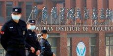 L'institut de virologie de Wuhan (photo) a nourri l'hypothèse de l'accident de laboratoire comme ayant déclenché la pandémie de Covid-19. Et ce, d'autant plus que cet institut est spécialisé dans l'étude des coronavirus ayant un potentiel épidémique chez l'être humain. On sait par ailleurs que de tels accidents ont déjà conduit à des infections humaines, et même à la pandémie de grippe H1N1 de 1977 qui a fait plus de 700.000 victimes, selon VIrginie Courtier, directrice de recherche du CNRS.