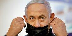Benjamin Netanyahu au pouvoir depuis douze ans est poursuivi en justice pour des faits de corruption.