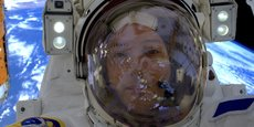 Thomas Pesquet va remplacer des panneaux solaires sur l'ISS.
