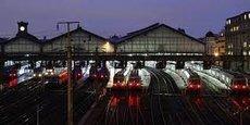 La centaine de trains normands quotidiens butte toujours sur l'entrée (ou la sortie) de la gare saint Lazare où ils peinent à se frayer un chemin au milieu de 1.400 Transiliens.