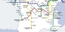 Se saisissant de l'ouverture à la concurrence actée fin 2020, la première coopérative ferroviaire de France Railcoop ambitionne de lancer une première liaison de fret ferroviaire d'ici la fin de l'année, avant d'embarquer, à compter de juin 2022, de premiers passagers entre Bordeaux et Lyon, en desservant également des villes moyennes du centre de la France.