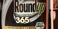 L'agrochimiste américain Monsanto, absorbé par le chimiste allemand Bayer en 2018, est accusé d'avoir fiché illégalement des personnalités publiques ou issues de la société civile (politiques, journalistes, militants écologistes, agriculteurs, scientifiques...) dans le but d'influencer le débat public pour favoriser le renouvellement de l'autorisation du glyphosate par la Commission européenne.