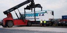 Le service de CargoBeamer peut transporter des semi-remorques préhensibles et non préhensibles.