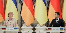 Angela Merkel et Volodymyr Zelensky, le président ukrainien, ce dimanche lors de la conférence de presse à Kiev.