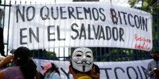 Nous ne voulons pas du Bitcoin au Salvador, scandent les opposants à la Loi Bitcoin, le 1er septembre, à San Salvador, capitale du Salvador, en Amérique Centrale.
