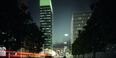 Construite en qualité HQE labellisable BBC-Breeam, la tour abritera 44 000 m2 de bureaux © Tour Incity_Valode&Pistre