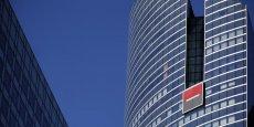 La Société Genérale avance de 1,94%, à 44,84 euros, dans un secteur bancaire idéalement orienté sur l'indice parisien.
