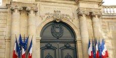 Les négociations, qui ont débuté ce lundi à Matignon, devraient se prolonger jusqu'à jeudi.