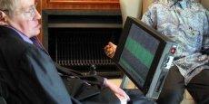 Stephen Hawking a recours aux technologies les plus poussées pour mieux vivre son handicap.