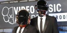 Daft Punk a remporté un important succès international et cinq Grammy Awards dont celui du meilleur album de l'année en 2014.