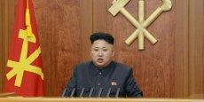 Les deux Corées sont techniquement en état de guerre depuis l'armistice de 1953 qui a mis fin à trois ans de guerre entre le Nord et le Sud. L'année 2015 marque le 70e anniversaire de l'indépendance de la Corée après l'occupation japonaise.