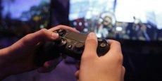 Après 14 ans de moratoire, Pékin autorise provisoirement la commercialisation de consoles de jeu vidéo.
