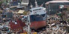 Avec des vents à plus de 300 km/h, le typhon Haiyan a ravagé les Philippines, le 8 novembre dernier. Les TIC ont non seulement facilité le soutien des ONG aux populations, mais elles aident encore à la reconstruction du pays. / Reuters