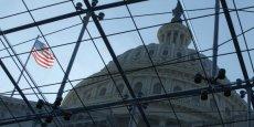 Cette loi de finances devait initialement être adoptée le mercredi 15 janvier au plus tard, mais les négociations ayant duré plus longtemps que prévu, la Chambre des représentants devrait adopter mardi une micro-loi de finances de trois jours pour repousser cette échéance à samedi.