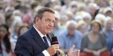Gerard Schröder, chancelier allemand, a initié des réformes pour les retraites qui ont entraîné une baisse du niveau des pensions des retraités.