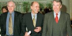 Dans l'intérêt du parti et de ma famille, j'ai demandé à la direction du parti d'élire un nouveau trésorier au cours du congrès à venir en avril, a indiqué à Bild Le trésorier de l'Union chrétienne-démocrate (CDU), Helmut Linssen (à droite sur la photo, avec la cravate rouge).