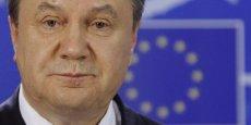 La liste des concernés compte aussi Viktor Pchonka, ancien procureur général d'Ukraine, Oleksandr Yakimenko, ancien chef des services de sécurité, ou encore les fils de Viktor Ianoukovitch.