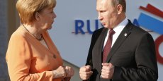 Vladimir Poutine et Angela Merkel, dirigeants de pays aux intérêts économiques communs...