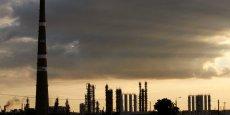 Si les attaques des islamistes venaient à gagner le sud et menacer les zones principales de production de pétrole, alors les prix du pétrole pourraient augmenter de 30-50% par rapport aux niveaux actuels, met en garde Adam Slater, d'Oxford Economics. (Photo : Reuters)