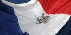 La dette publique française, très basse jusqu'au début des années 1980, a franchi le seuil de 60% en 2003 et devrait dépasser les 95% du PIB et 2.000 milliards d'euros fin 2014. Bien loin du seuil imposé par Bruxelles...