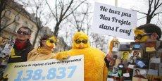 Née sur Internet en avril 2013, où elle a recueilli quelque 139 000 signatures, la protestation des « Poussins », a conduit le gouvernement à amender sa réforme du statut d'autoentrepreneur. / Reuters